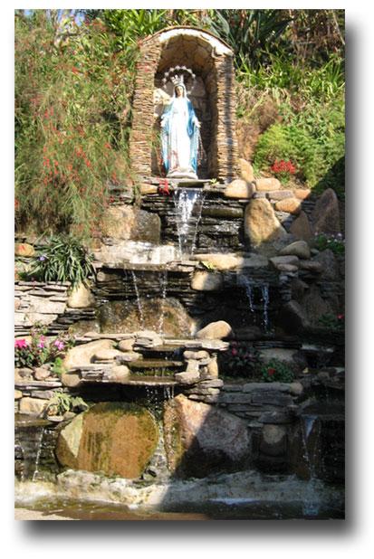 Waterfall-pool